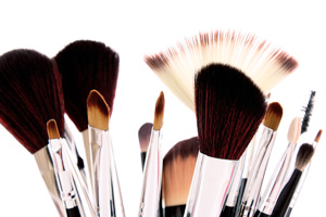 Why We Need to Take Care Makeup Brushes?