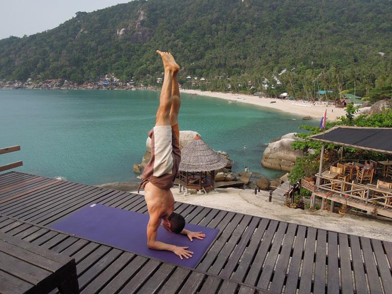 rocket-yoga